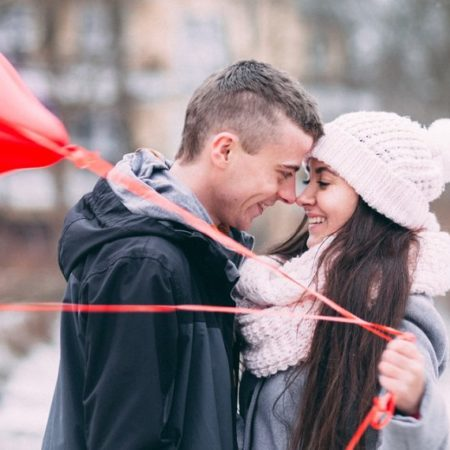 Online Dating in the Winter: Why You Should Give It a Try